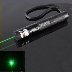 301 5mW 532nm Adjustable Focus Burn Green Laser Pointer Pen Black